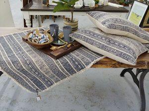 decor Throws-pillows-rugs 400x
